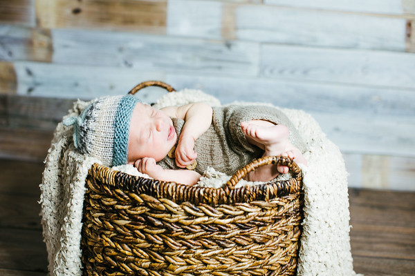 00003--©ADHPhotography2017--Poore--Newborn