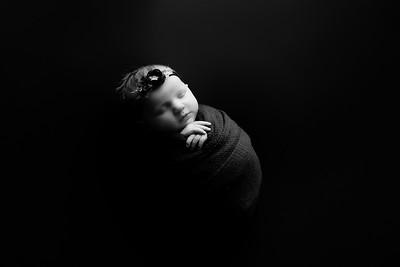 00004©ADHphotography202--RoseKelley--NewbornAndFamily--February13BW