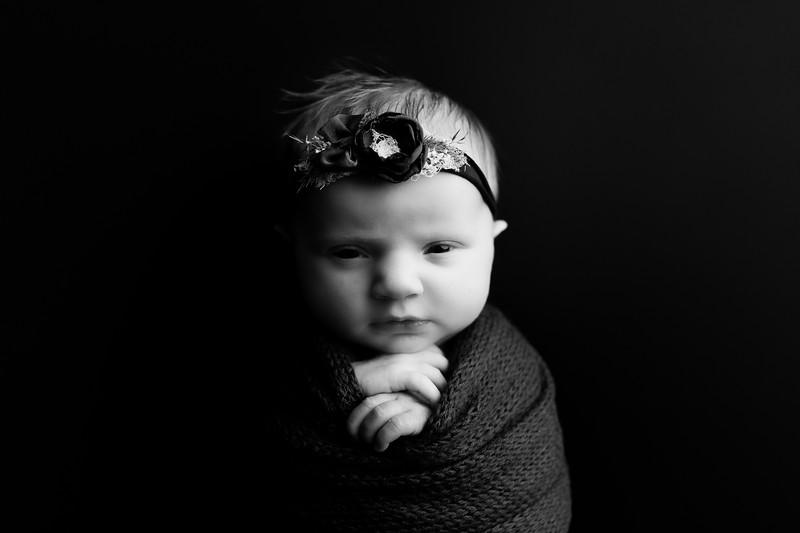 00002©ADHphotography202--RoseKelley--NewbornAndFamily--February13BW