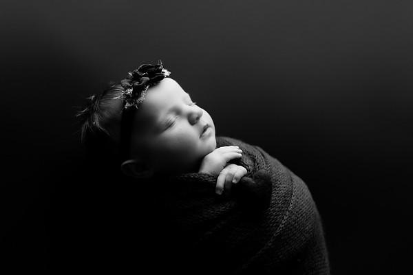 00007©ADHphotography202--RoseKelley--NewbornAndFamily--February13BW