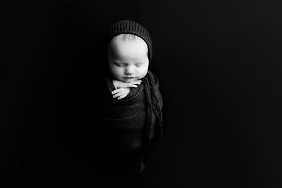 00011©ADHphotography202--RoseKelley--NewbornAndFamily--February13BW