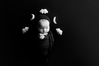 00012©ADHphotography202--RoseKelley--NewbornAndFamily--February13BW