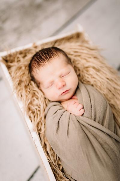 00023-©ADHPhotography2019--Rossenbach--Family&Newborn--Junne27