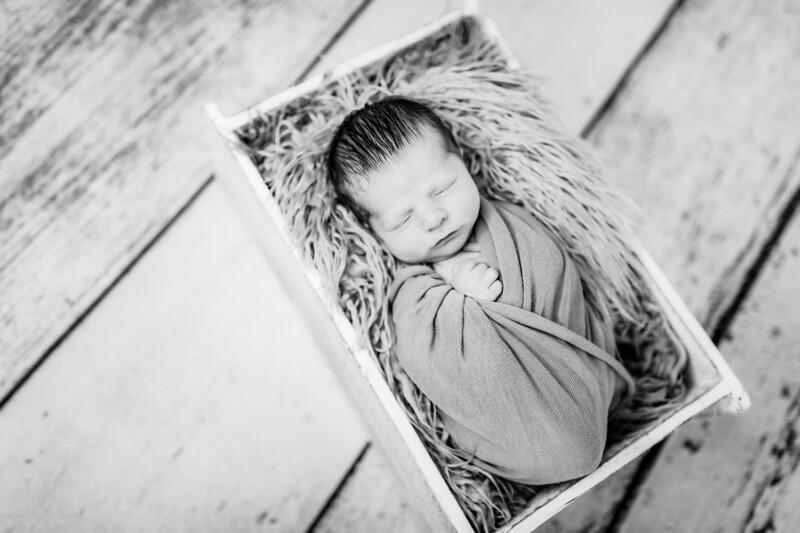 00004-©ADHPhotography2019--Rossenbach--Family&Newborn--Junne27