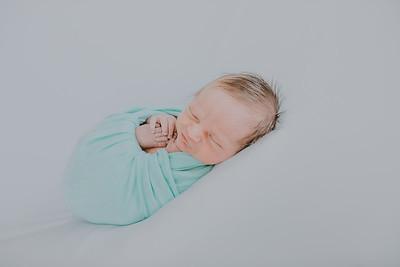 00013--©ADH Photography2017--SAYER--Newborn