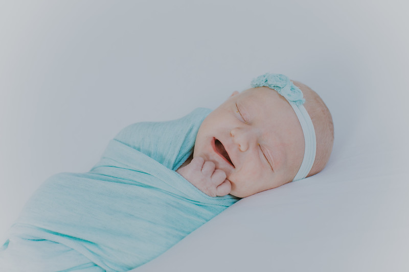 00017--2017©ADHPhotography--StellaMcConnell--Newborn