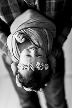 00115--©ADHPhotography2020--TENLEY--Newborn--February27bw