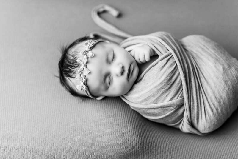 00072--©ADHPhotography2020--TENLEY--Newborn--February27bw