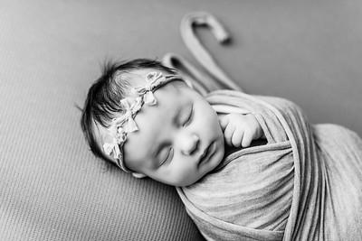 00075--©ADHPhotography2020--TENLEY--Newborn--February27bw