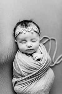 00068--©ADHPhotography2020--TENLEY--Newborn--February27bw