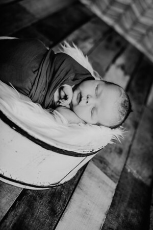 00006--©ADHPhotography2018--TheodoreDonaldTenBensel--Newborn--2018March30