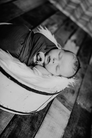 00008--©ADHPhotography2018--TheodoreDonaldTenBensel--Newborn--2018March30