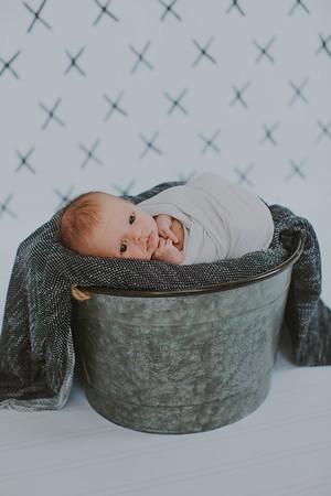 00023--2017©ADHPhotography--Uerling--Newborn