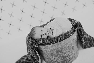 00014--2017©ADHPhotography--Uerling--Newborn