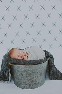 00003--2017©ADHPhotography--Uerling--Newborn