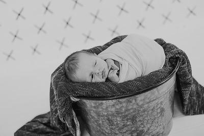 00012--2017©ADHPhotography--Uerling--Newborn