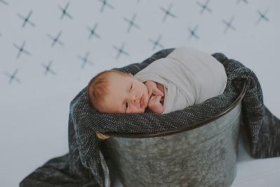 00011--2017©ADHPhotography--Uerling--Newborn