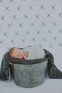 00001--2017©ADHPhotography--Uerling--Newborn