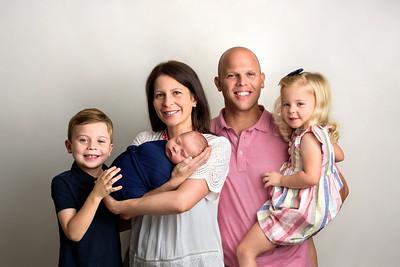 Cincinnati Newborn Photographer Near Me Family with 3 Kids