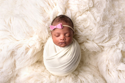 Top Newborn Photographer in Cincinnati Kenwood Studio