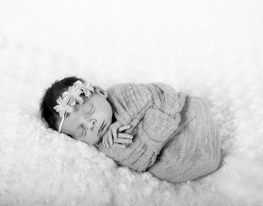 AD4Q3043_AriaWinter05ababy_bw