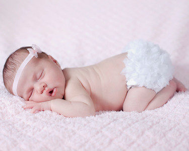 Mia_newborn22a
