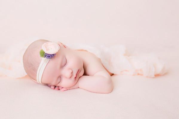 Kinsie Newborn session
