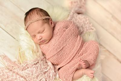 Abigail Newborn-4