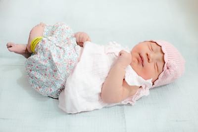 Cecilia Newborn -044