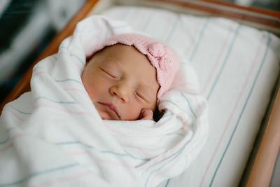 Cecilia Newborn -020