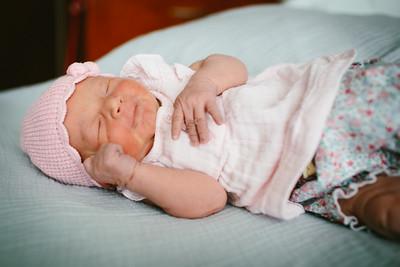 Cecilia Newborn -057