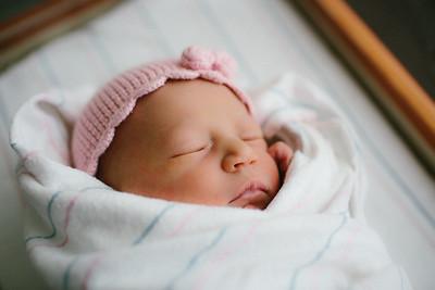 Cecilia Newborn -017