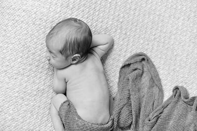 Finn Newborn-51