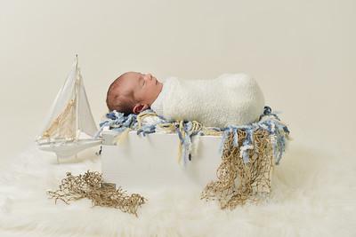 Finn Newborn-28