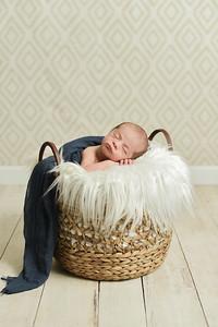 Finn Newborn-47