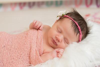 Hannah Newborn-7