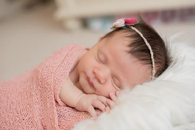 Hannah Newborn-1