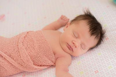 Hannah Newborn-13