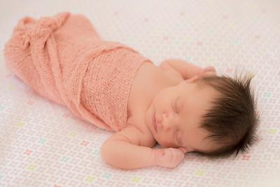 Hannah Newborn-14