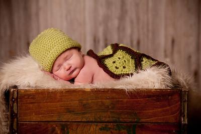 Jaxon Newborn and Family 2018 Retouched