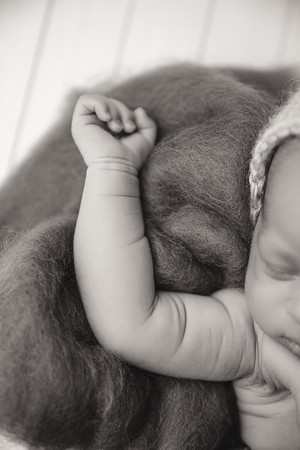 Dawn Roe Photography is located in Metairie, Louisiana. We specialize in Newborn, Baby, and Family Photography.