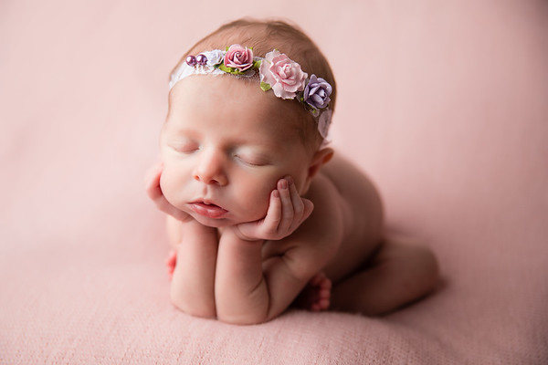 Dawn Roe Photography, New Orleans Newborn Photographer.  Book today at www.studioroe.com