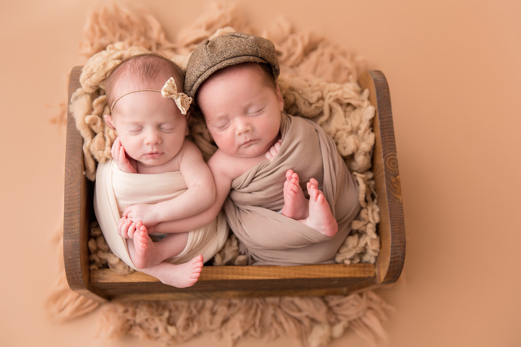 New Orleans Twin Newborn Photographer, Dawn Roe Photography