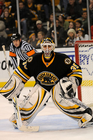 Boston: Bruins goalie Manny Fernandez. Photo by Ben Laing/Newburyport Daily News Saturday November 29, 2008.