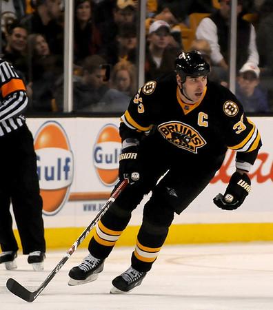 Boston: Bruins captain Zdeno Chara (33). Photo by Ben Laing/Newburyport Daily News Saturday November 29, 2008.