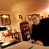 Newburyport: Local blogger Roger Gardner sits at his computer at his home on Charles Street in Newburyport. His blog, Radarsite, has received national attention, including recognition from President Bush. Photo by Ben Laing/Newburyport Daily News Friday December 19, 2008.