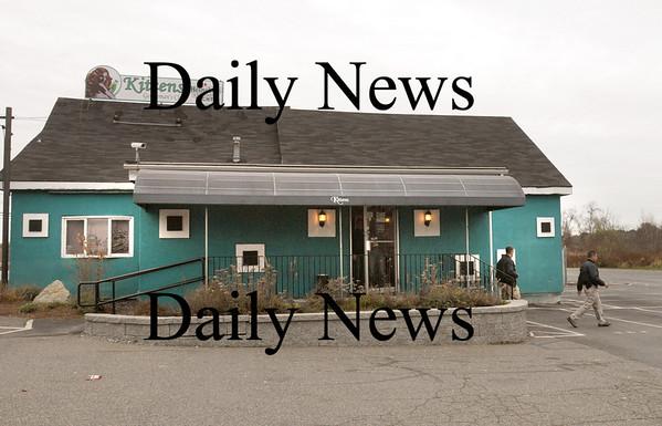 Salisbury:<br /> Federal agents leave Kittens Gentleman's Club in Salisbury during a raid yesterday.<br /> Photo by Bryan Eaton/Newburyport Daily News Thursday, November 13, 2008