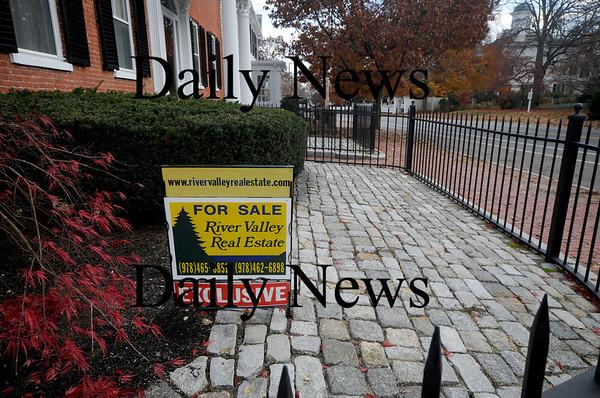 Newburyport:House for sale on High Street. photo by Jim Vaiknoras/Newburyport  Daily News. Sunday November 8, 2008