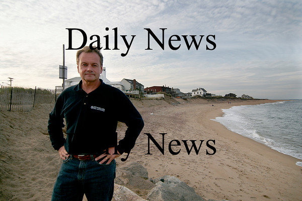 Newbury: Plum Island resident Mike Morris has done an indepentent study of the erosion patterns on Plum Island. Photo by Ben Laing/Newburyport Daily News Thursday September 25, 2008.