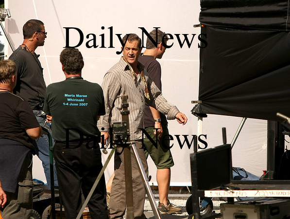 "Merrimac: Mel Gibson walks away after shooting a scene along River Road in Merrimac for his new movie, ""Edge of Darkness"". Photo by Ben Laing/Newburyport Daily News Monday September 15, 2008."